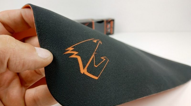 Aorus AMP300, Mousepad definitivo?